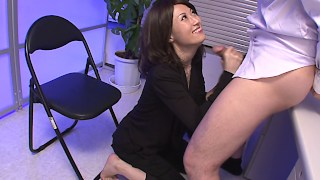Japanese whore gets titfucked at the office